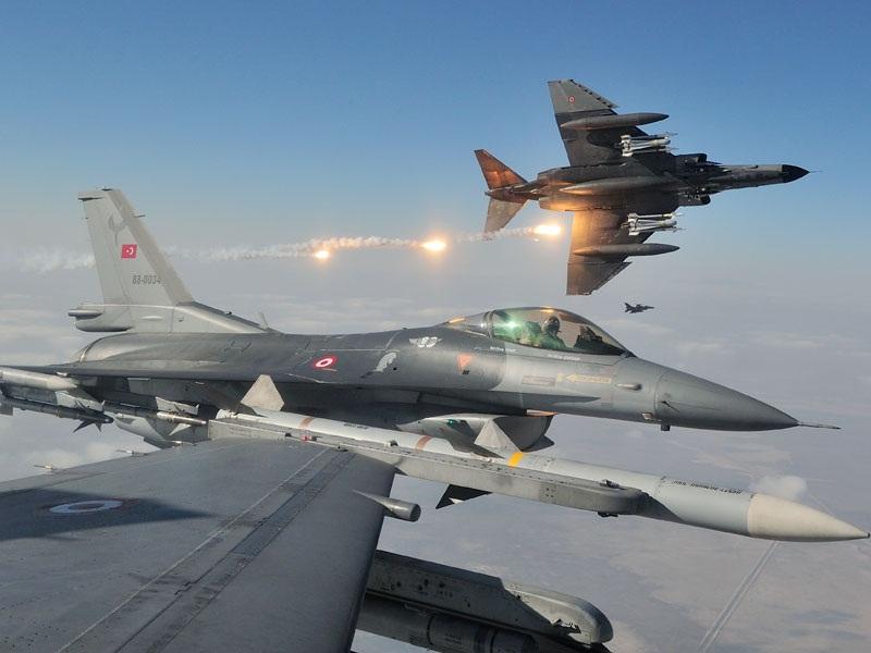 Turkey F-16 Fighting Falcon Using Flares (The F-16CD Fighter Jets of the Turkish Air Force (Türk Hava Kuvvetleri) During Anatolian Eagle (1)