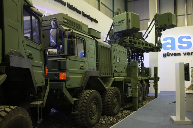 Impressive_KORAL_Land_Based_Radar_Electronic_Warfare_System_on_aselsan_booth_at_IDEF_2015_640_001