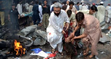 Taliban-suicide-bomb-in-Pakistan-kills-10-people