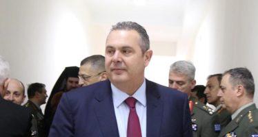 Ο υπουργός Εθνικής Άμυνας Πάνος Καμμένος ξεναγείται κατά τη διάρκεια των εγκαινίων 23 στρατιωτικών κατοικιών στις εγκαταστάσεις του πρώην 424 Γενικού Στρατιωτικού Νοσοκομείου. Θεσσαλονίκη, Δευτέρα 13 Φεβρουαρίου 2017.  ΑΠΕ ΜΠΕ/PIXEL/ΣΩΤΗΡΗΣ ΜΠΑΡΜΠΑΡΟΥΣΗΣ