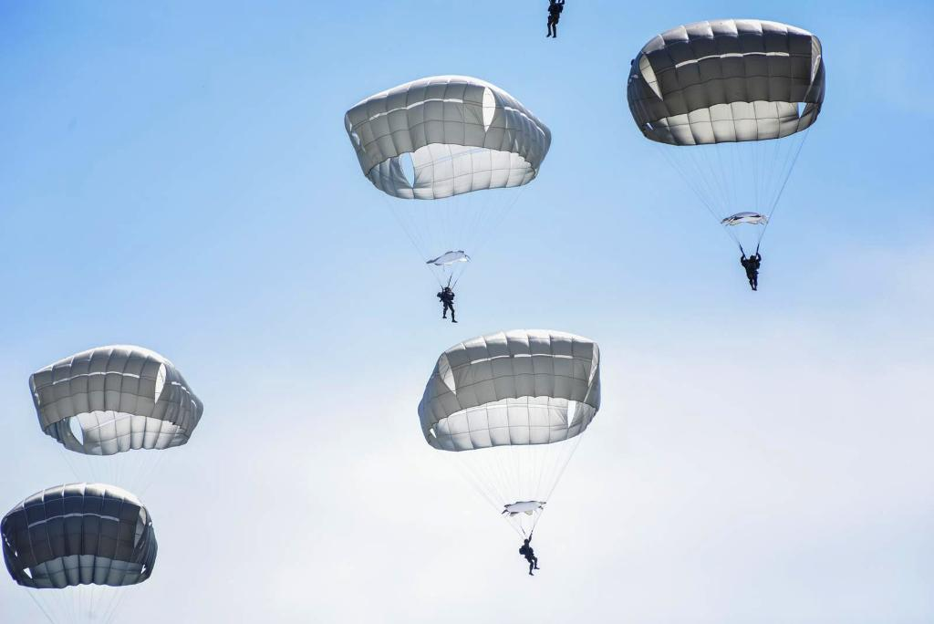 Sky Soldier and Greek Paratroopers perform airborne operation