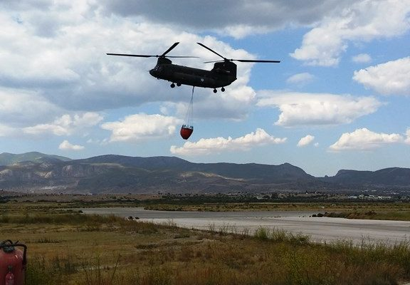 Ελικόπτερο του Στρατού Ξηράς πραγματοποίησε 6,5 ώρες πτήση στους Αγίους Θεοδώρους