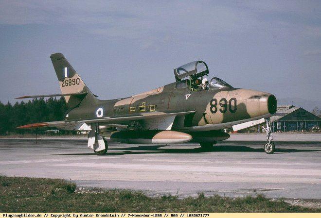 2_F-84F_kasteli