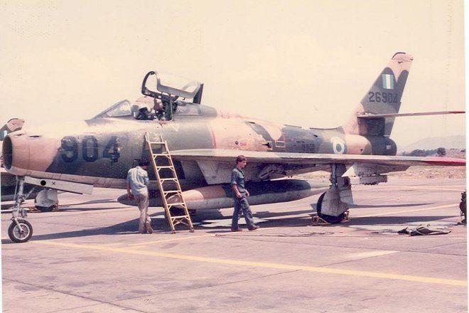 5_F-84F_kasteli
