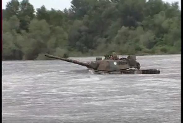 Όταν ο Στρατός μας έκοβε κ@ λους στον Έβρο…Παλαβός Στρατηγός περνάει με «LEOPARD τον Ποταμό Άρδα! (video)