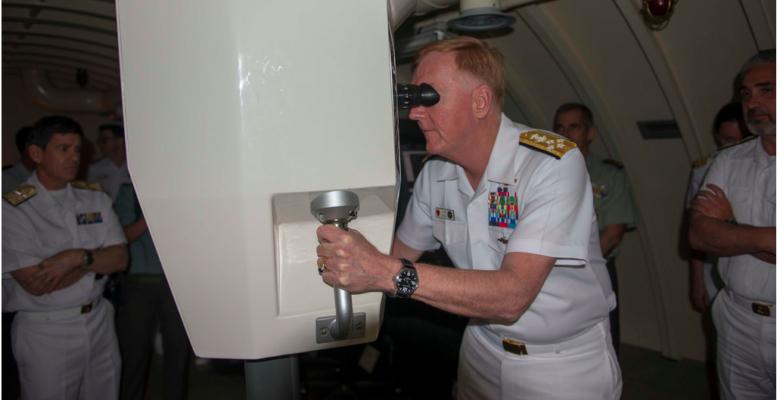 Στο Υ/Β «ΜΑΤΡΟΖΟΣ» ο Ναύαρχος James Foggo…Διοικητής των Ναυτικών Δυνάμεων Ευρώπης & Αφρικής των ΗΠΑ! (φωτό)