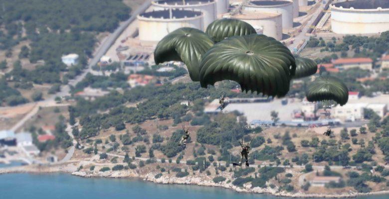 O Θάνατος έρχεται από ψηλά …Έτοιμοι οι νέοι Αλεξιπτωτιστές του Στρατού μας