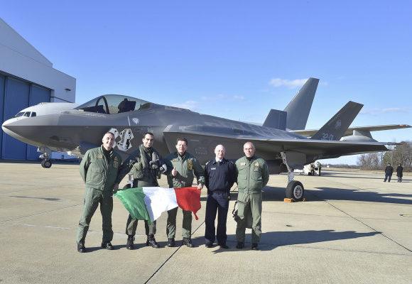 Από ώρα σε ώρα αναμένονται & μια Τετράδα Μαχητικών F-35 να κατέβουν στην 117 ΠΜ
