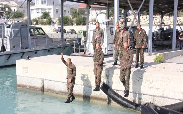 13 νέοι Βατραχάνθρωποι της Ε.Φ της Κύπρου τέθηκαν στην Υπηρεσία της Πατρίδος …Είναι οι θρυλικοί ΟΥΚάδες (φωτό)