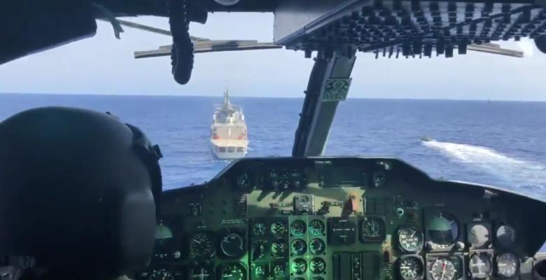 Καταιγίδα : Αρματαγωγά του ΠΝ μια ανάσα πριν την Απόβαση …Συνοδεία Ελικοπτέρων