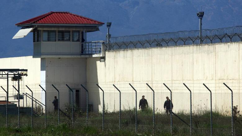 Φυλακές Τρικάλων: Χρησιμοποίησαν drone για να ρίξουν δέματα με κινητά τηλέφωνα και ναρκωτικά 1