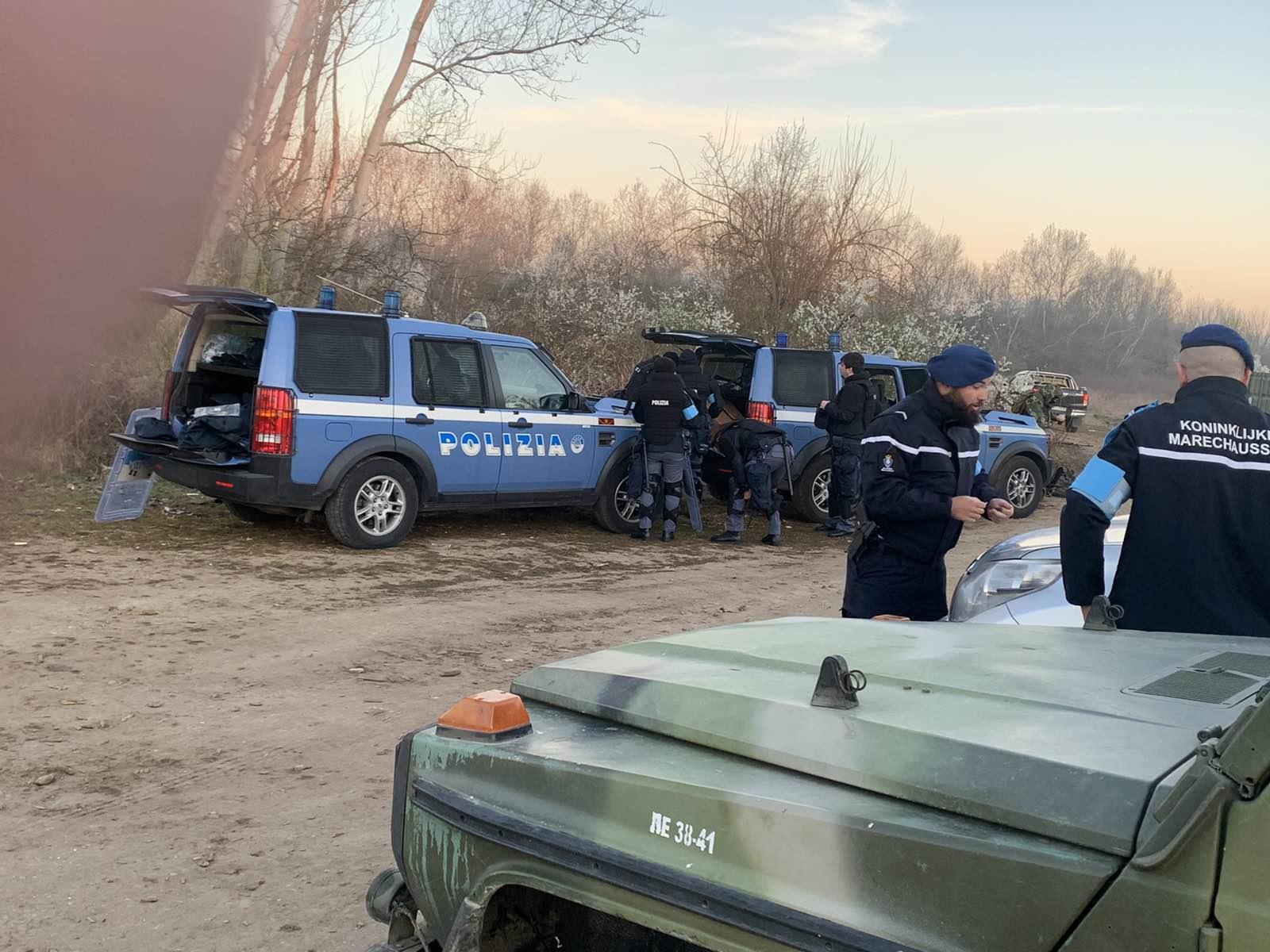 Από τα Χαράματα άρχισαν να αναπτύσσονται και  οι Δυνάμεις της Frontex στις Καστανιές 2