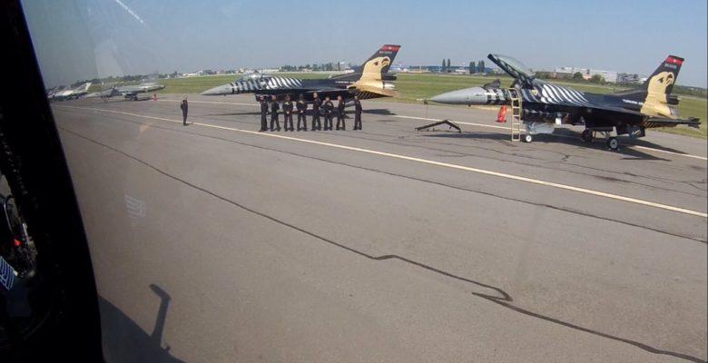 Αμάν ο Έλληνας πίσω μας … Αναφωνούν οι Τούρκοι τεχνικοί της Ομάδος «F-16 SOLO»
