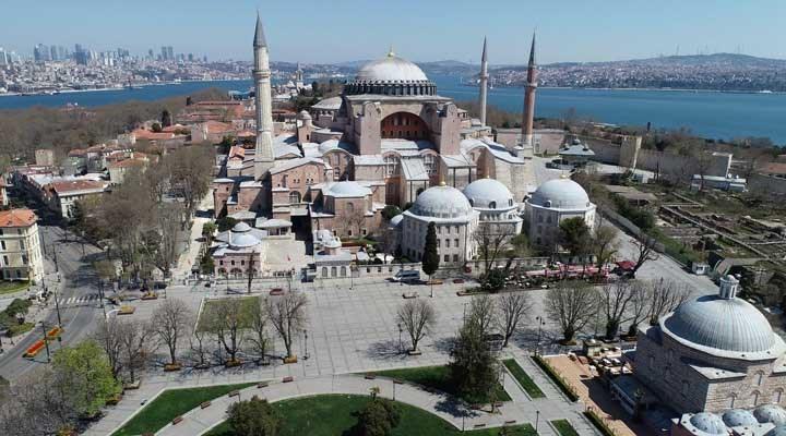 Απορρίφθηκε η πρόταση της «Λύκαινας» για την μετατροπή της Αγιάς Σοφιάς σε Τέμενος 1